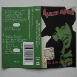 Marilyn Manson - Smells...