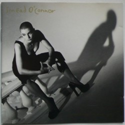 Sinead O'Connor - Am I Not...